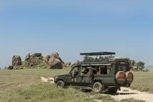 guests on safari Andy & Sarah Skinner photo tour